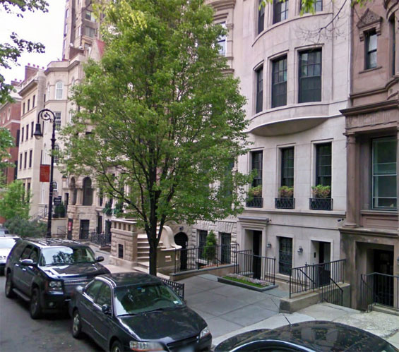 New York Apartment Address: 84 Charing Cross Road Film Locations
